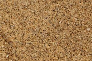 Nein, das ist nicht nur Sand, da sind auch Augen
